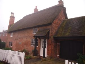 Grade II Listed Thatched Cottage in Nottinghamshire
