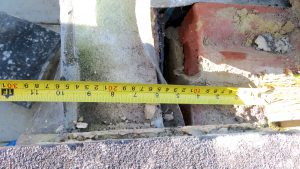 Lead apron proved not to extend across the width of the cavity