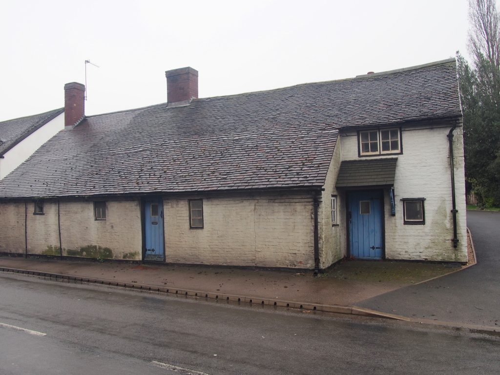 16th Century Cottage with distortion to masonry walls